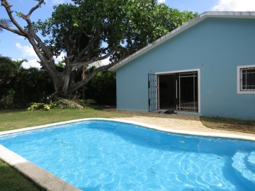 Villa 2 Bedroom, pool, near the beach