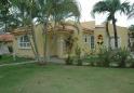 Villa Peque�a con Casa de Huespedes