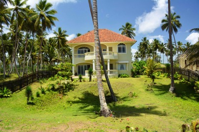 Dreamvilla directly on the beach